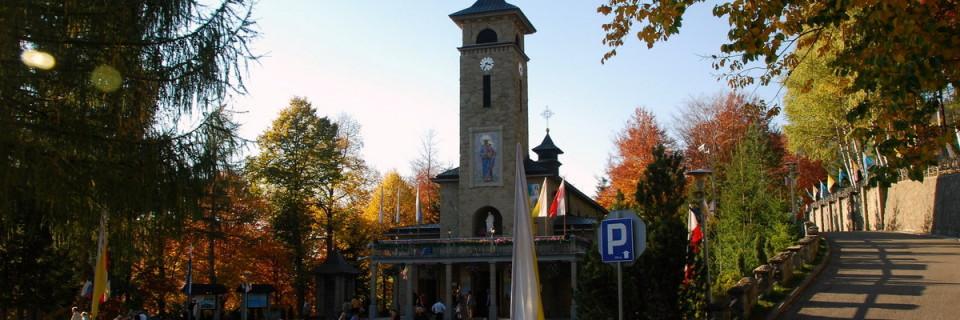 """Sanktuarium Matki Bożej Szczyrkowskiej """"Na Górce"""""""